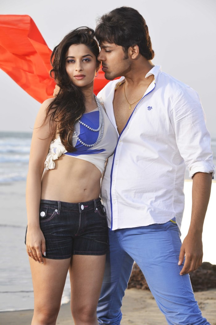 Close Friends,Close Friends movie pics,telugu movie Close Friends,Nandu,Madhunandan,Madhurima,Close Friends movie images,Close Friends movie stills,telugu movie pics,telugu movie stills