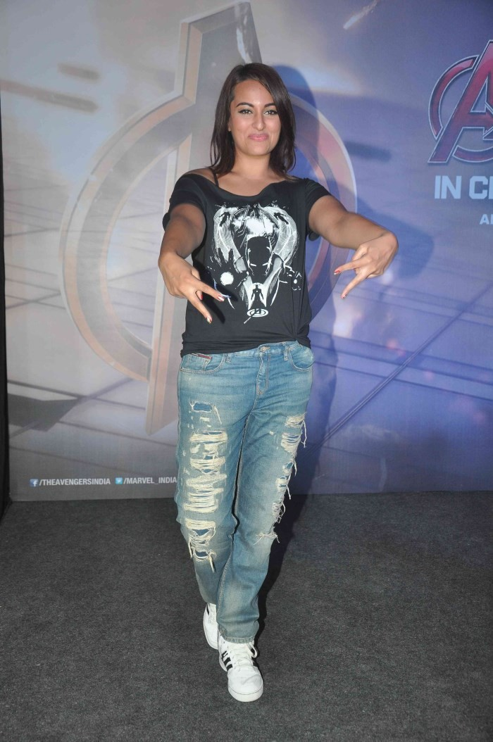 Sonakshi Sinha at Avenger Age Of Ultron Special Screening,Sonakshi Sinha,actress Sonakshi Sinha,Sonakshi Sinha pics,Sonakshi Sinha images,Sonakshi Sinha photos,Sonakshi Sinha latest pics,hot Sonakshi Sinha,Avenger Age Of Ultron Special Screening,Avenger A