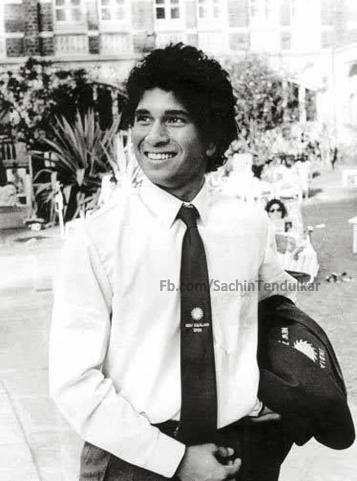 Sachin tendulkar,sachin tendulkar selfies,happy birthday sachin tendulkar,happy birthday cricket god,sachin selfies,sachin rare photos