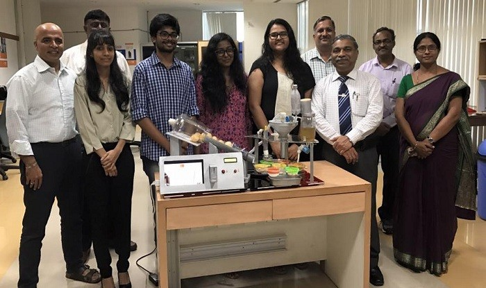 Pani puri dispenser, Pani puri machine, MIT students