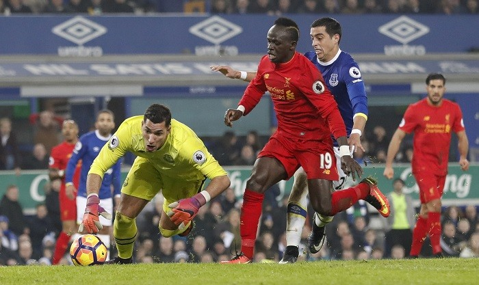 Joel Robles Everton Sadio Mane Liverpool