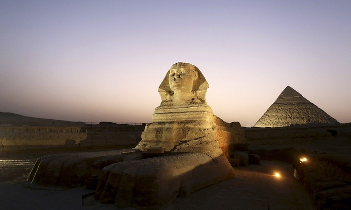 A pornographic video reportedly filmed in the backdrop of the world-famous Egyptian pyramids has irked authorities.