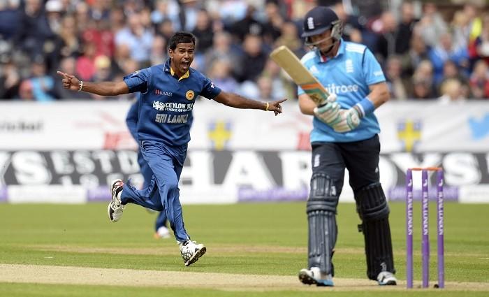 Nuwan Kulasekara Sri Lanka Ian Bell England