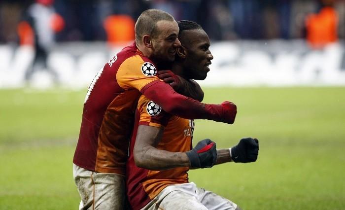 Drogba Snaijder Galatasaray