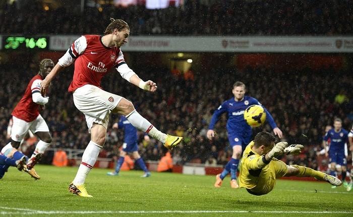 Nicklas Bendtner Arsenal Cardiff Marshall