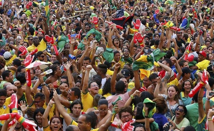 Brazil spectators crowd
