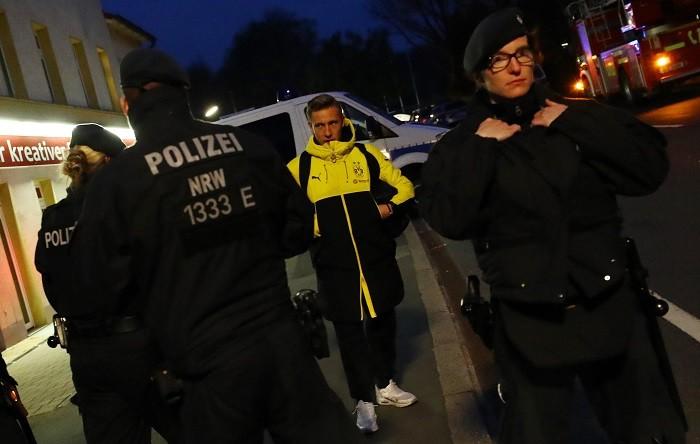 Borussia Dortmund, team bus, explosions, Felix Passlack, German police