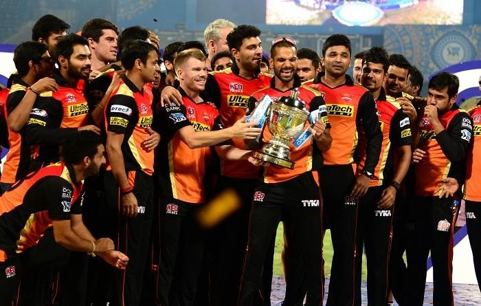 Sunrisers Hyderabad, trophy, IPL 2016, David Warner, Shikhar Dhawan