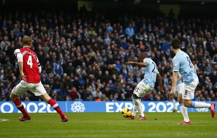 Fernandinho Manchester City Arsenal