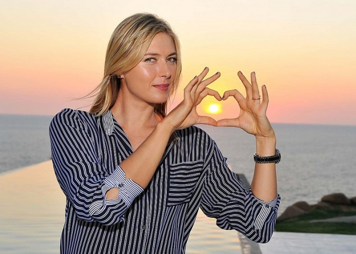 Maria Sharapova enjoys her free time in Acapulco