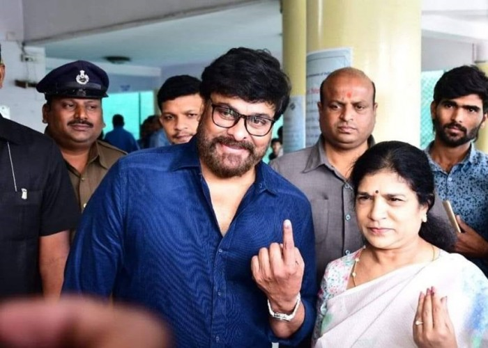Stars Voting For Telangana Elections