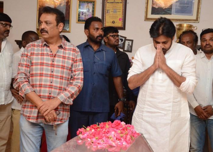Pawan Kalyan pays his last respects to Vijay Nirmala