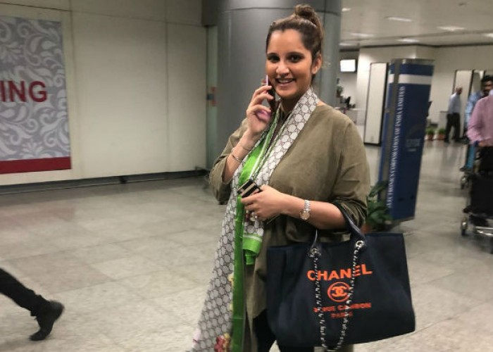 Indian tennis player Sania Mirza and former Pakistan cricket captain Shoaib Malik are set to become parents. Sania Mirza is pregnant and will tentatively deliver the baby in ​the month of ​October 2018. Sania ​posted her pregnancy announcement ​on Instagram​ with a picture and caption saying #babymirzamalik.