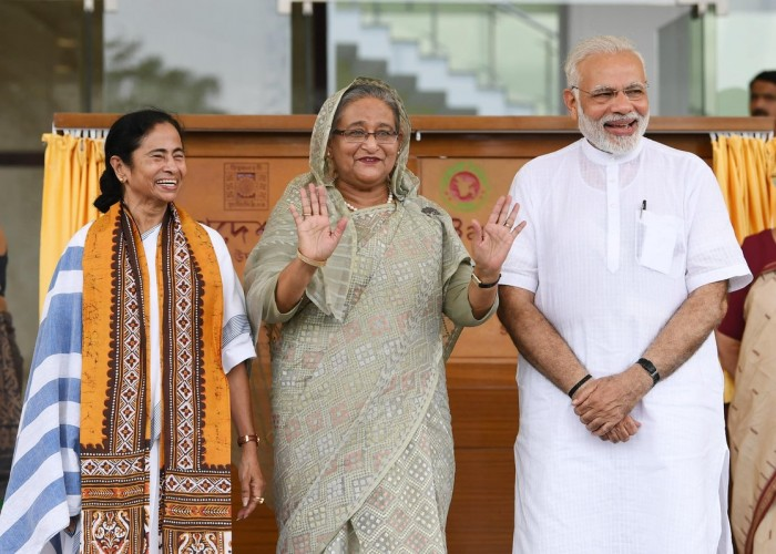 PM Narendra Modi and PM of Bangladesh, Ms. Sheikh Hasina jointly inaugurated the Bangladesh Bhavan at Santi Niketan in West Bengal.