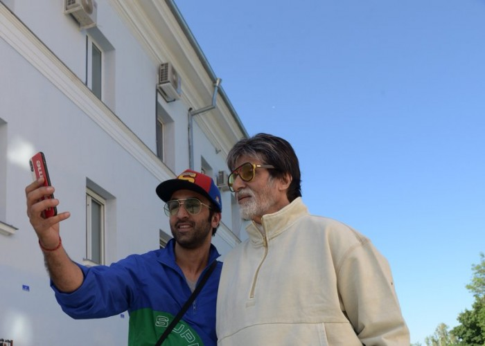 Amitabh Bachchan shared photos of his outing with Ranbir Kapoor on Twitter