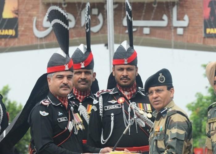 Sweet exchange at Attari-Wagah border on Pak I-Day
