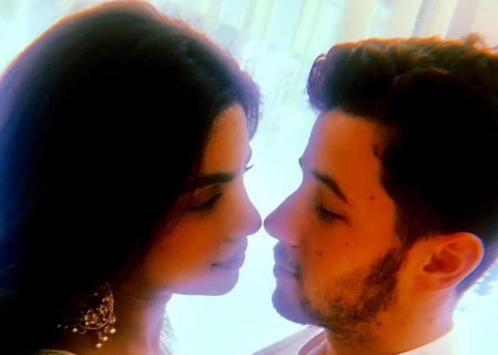 Priyanka, Nick 'seal relationship' with 'roka' ceremony