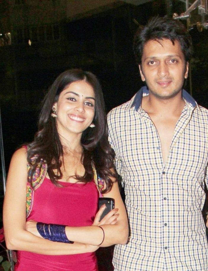 Genelia D'Souza,Genelia D'Souza cute picture,Genelia D'Souza images,Genelia D'Souza Photo  Gallery,Genelia D'Souza photos,images of Genelia D'Souza,Ritesh Deshmukh,Genelia with Baby Photos,Latest News of Genelia,Bollywood Celebs,Bollywood Actors,Bollywood