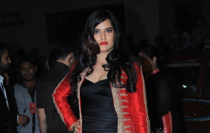 Sona Mohapatra Threatened By Madariya Sufi Foundation Over 'Tori Surat' Song