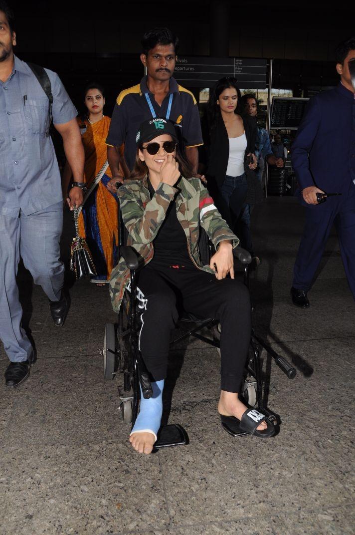 Kangana Ranaut,actress Kangana Ranaut,Kangana Ranaut injured,Kangana Ranaut on the sets of Manikarnika,Manikarnika,Manikarnika: The Queen of Jhansi,Kangana Ranaut in wheelchair,Kangana Ranaut on wheelchair