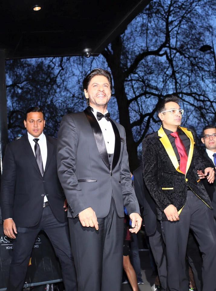Shah Rukh Khan Wins Outstanding Contribution To Cinema At The Asian Awards,Shah Rukh Khan,srk,The Asian Awards,Shah Rukh Khan Wins The Asian Awards,Shah Rukh Khan pics,Shah Rukh Khan latest pics,Shah Rukh Khan images,Shah Rukh Khan awards,srk pics,Shah Ru