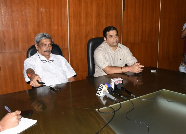 Goa CM Manohar Parrikar,Manohar Parrikar,redressal portal,Goa redressal portal,Goa Chief Minister Manohar Parrikar