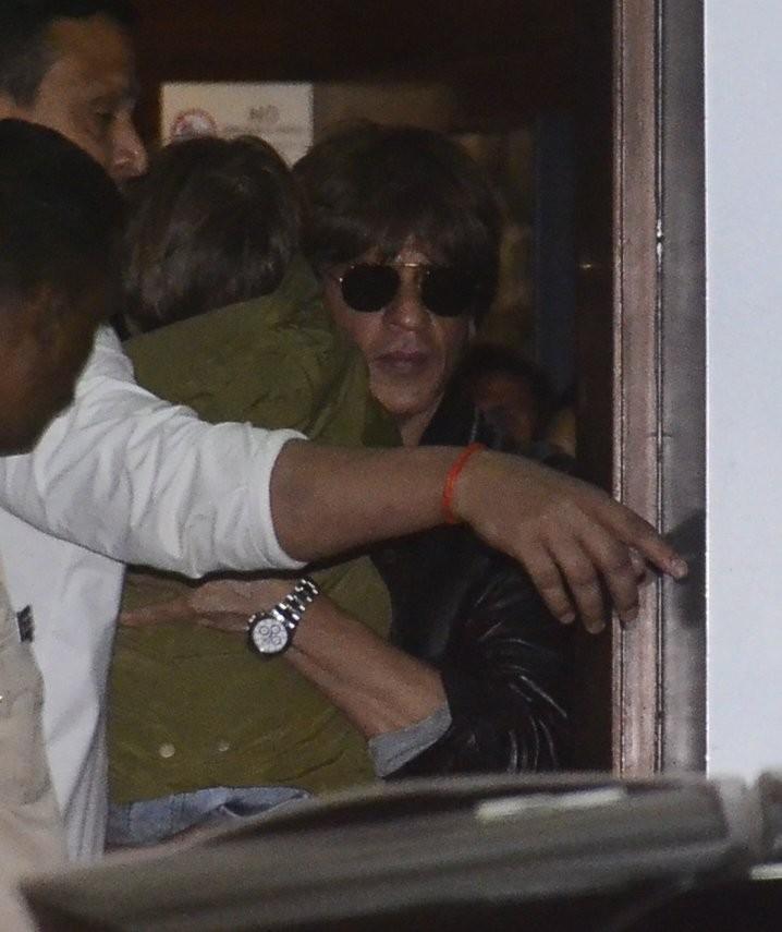 Shah Rukh Khan,SRK,AbRam Khan,Gauri Khan,Suhana Khan