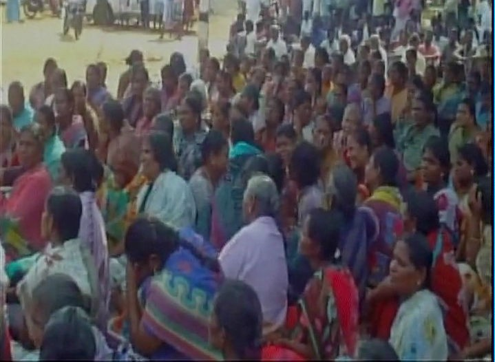 Protest in Rameshwaram,Indian fisherman,fisherman,TN fisherman,Srilankan Navy,Indian fisherman from Rameswaram,Thamizhaga Vazhvurimai Katchi party