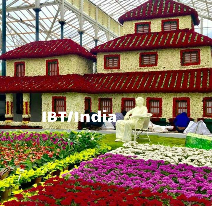 Lalbagh Flower show,Lalbagh Flower show 2017,Lalbagh Flower show pics,Lalbagh Flower show images,Lalbagh Flower show stills,Lalbagh Flower show pictures,Lalbagh Flower show phoots,Independence Day,Independence Day 2017