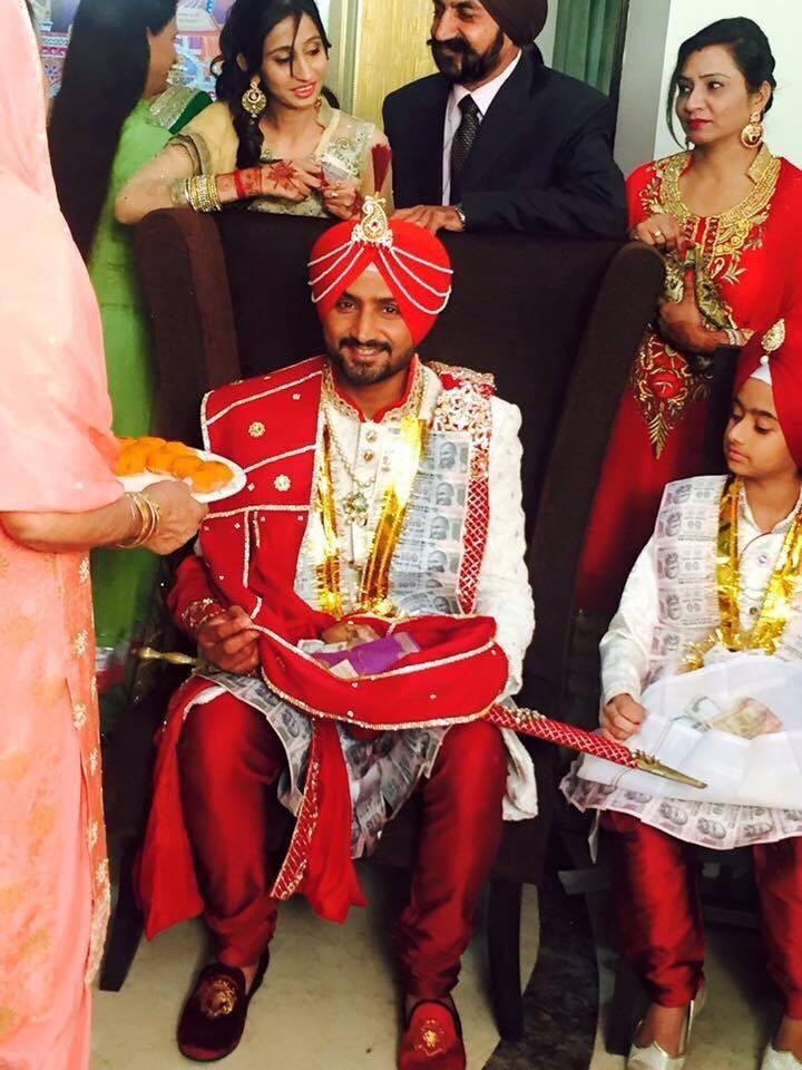 Harbhajan Singh,Harbhajan Singh Wedding,Harbhajan Singh Wedding pictures,Harbhajan Singh marriage,Harbhajan Singh marriage pics,Harbhajan Singh and Geeta Basra,sachin