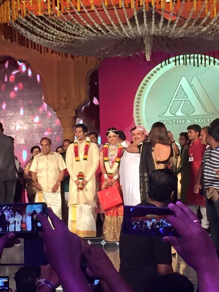 Ravi pillai daughter wedding,Ravi pillai daughter wedding photos,Ravi pillai daughter wedding new photos,photos of Ravi pillai daughter wedding,arathi wedding,asramam maidan kollam,asramam maidan kollam weddinng photos