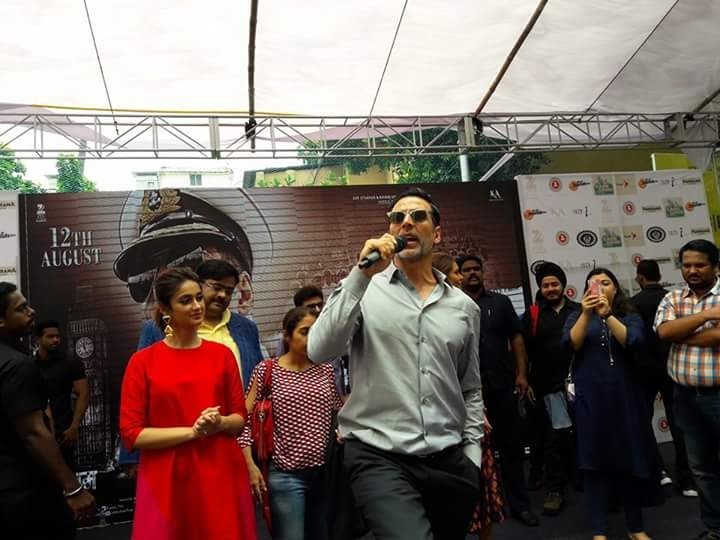 Akshay Kumar,Akshay Kumar promotes Rustom movie,Rustom,Rustom movie promotion,Rustom promotion,Bhawanipur Education Society College,Akshay Kumar latest pics,Akshay Kumar latest images,Akshay Kumar latest photos