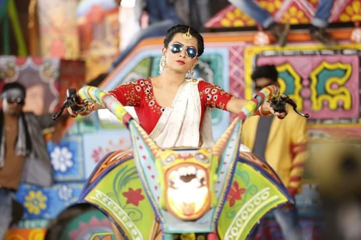 Puneeth Rajkumar,Radhika Pandit,Puneeth Rajkumar and Radhika Pandit,Doddmane Hudga movie stills,Doddmane Hudga movie pics,Doddmane Hudga movie images,Doddmane Hudga movie photos,Doddmane Hudga movie pictures,Doddmane Hudga pics,Doddmane Hudga images,Doddm