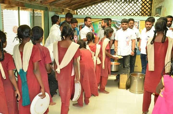 Bairavaa,Bairavaa trailer,Bairavaa movie trailer,Vijay fans,ilayathalapathy vijay,ilayathalapathy vijay fans,Bairavaa celebrations,Bairavaa celebrations pics,Bairavaa celebrations images,Bairavaa celebrations photos,Bairavaa celebrations stills,Bairavaa c