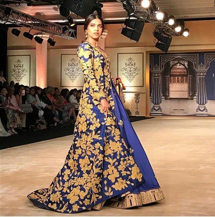 Reynu Taandon,Bhumi Pednekar,India Couture Week,India Couture Week 2017,designer Reynu Taandon,Reynu Taandon collection