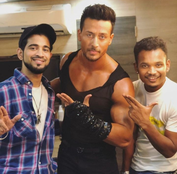 Baaghi 2,Tiger Shroff,Tiger Shroff new look,Tiger Shroff new look for Baaghi 2,Tiger Shroff abs,Tiger Shroff six pack,Tiger Shroff new avatar