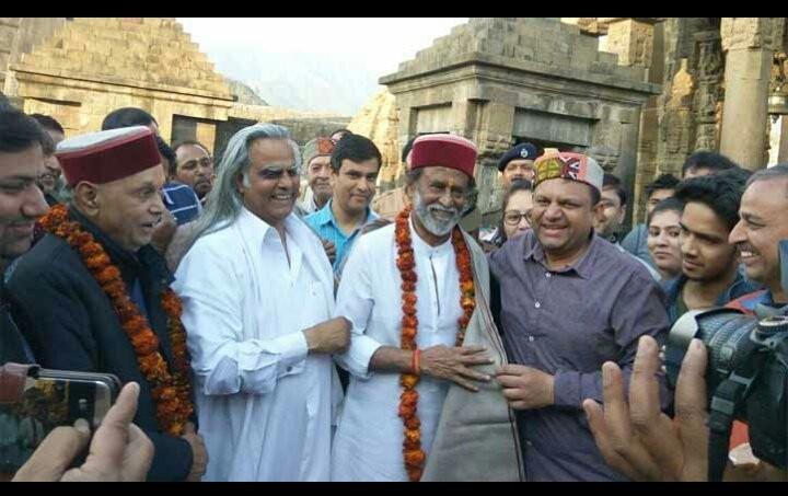 Rajinikanth reaches Jammu,Rajinikanth,Superstar Rajinikanth,Kaala star Rajinikanth,Kaala,spiritual journey,Rajinikanth visits Jammu and Kashmir,Rajinikanth at Jammu and Kashmir,Rajinikanth at Himalayas