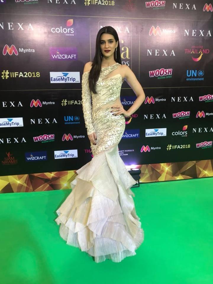 Kriti Sanon,actress Kriti Sanon,Kriti Sanon IIFA performance,IIFA performance,Celebs IIFA performance,IIFA awards,IIFA awards 2018