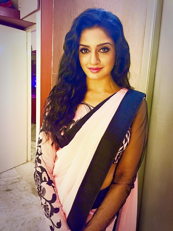Vimala Raman at Vijay Awards,Vimala Raman,actress Vimala Raman,Vimala Raman hot pics,Vimala Raman pics,Vimala Raman images,Vimala Raman photos,Vijay Awards,Vijay Awards 2015,9th Annual Vijay awards,vijay awards photos,Vijay Awards pics