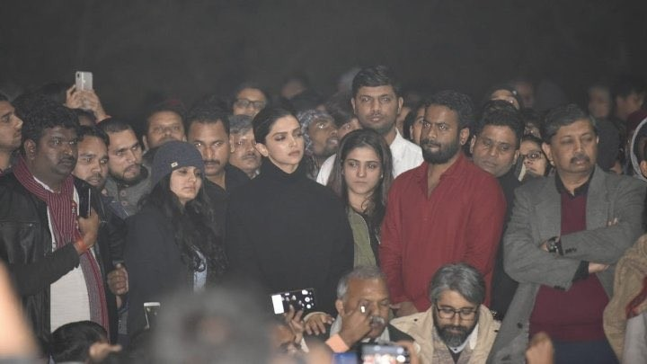 Deepika Padukone shows her soliderity with JNU students' protest