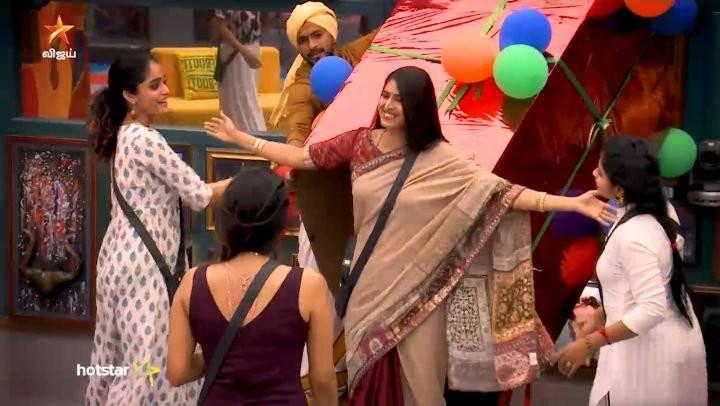 Kasturi Enters Bigg Boss Tamil 3 House