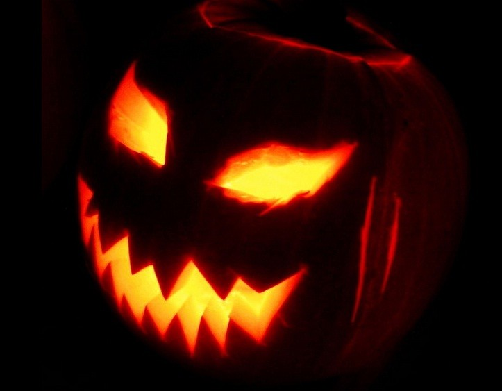 Happy Halloween 2014: Here are the best quotes, messages and greetings to be shared on All Hallows' Eve.