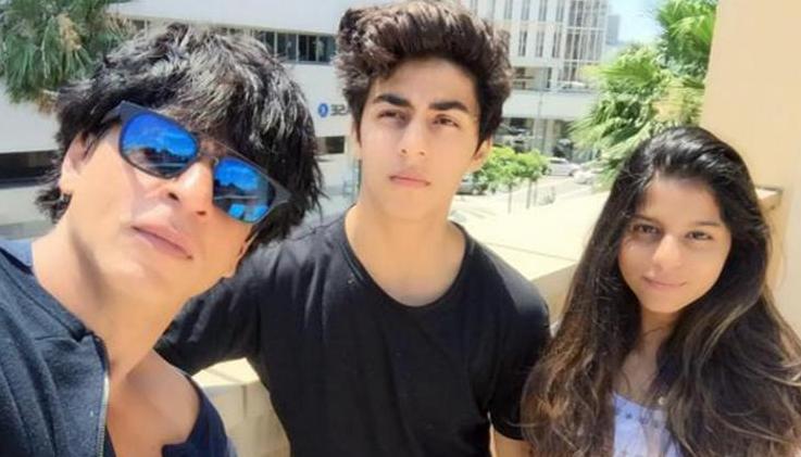 Shah Rukh Khan with Aryan and Suhana