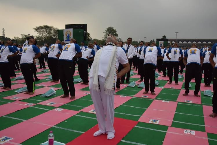 International Yoga Day,International Yoga Day 2016,International Yoga Day events,International Yoga Day event,Chandigarh,Yoga Chandigarh event,Modi,Narendra Modi,Record-breaking International Yoga Day events begin