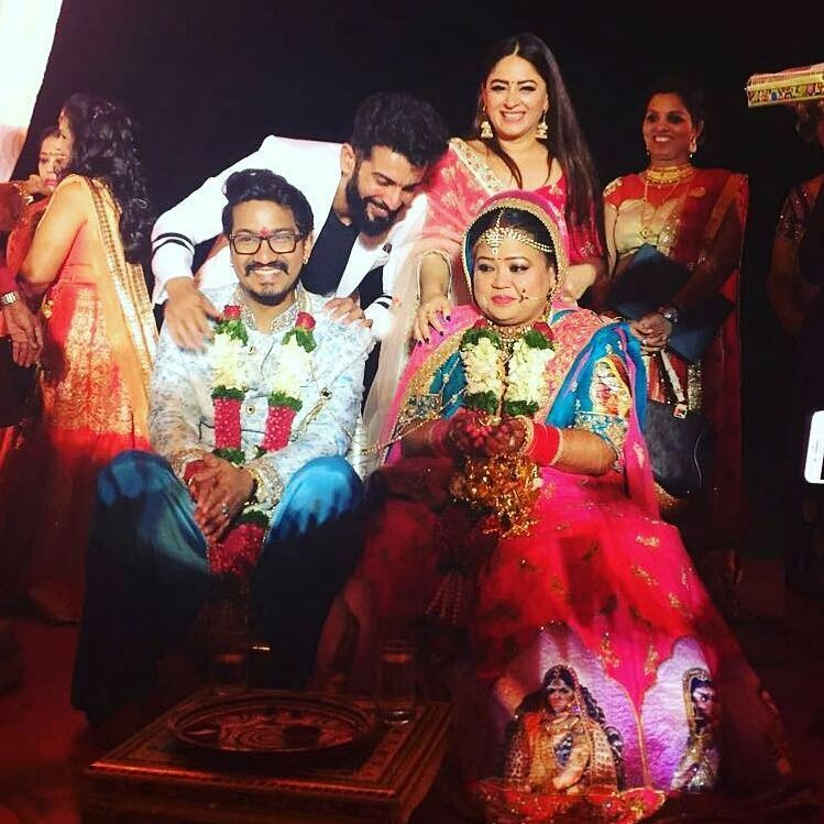 Bharti singh,Bharti Singh wedding,Bharti Singh wedding inside photos,Bharti Singh wedding inside videos,Bharti Singh marriage photos videos,Bharti Singh husband,Bharti Singh harsh limbachiyaa,bharti singh harsh limbachiyaa wedding photos