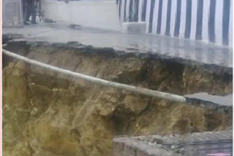 Vaishno Devi,Vaishno Devi landslide,3 pilgrim killed,Vaishno Devi Landslide,Mata Vaishno Devi Shrine,Vaishno Devi Shrine track