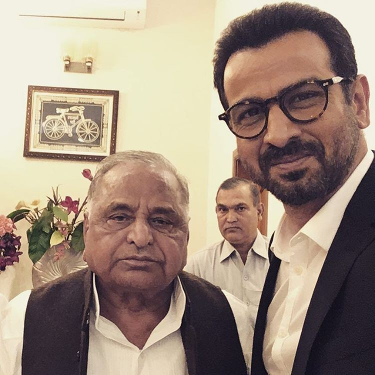 "Ronit shared another photo in which he is seen with Mulayam Singh Yadav. ""Great meeting the man himself. Simple, humble and great sense of humour. Thank you for your time Sir,"" the actor captioned it. ""Dongri Ka Raja"", helmed by Hadi Ali Abrar and set against the backdrop of the underworld, is set for release on November 11."