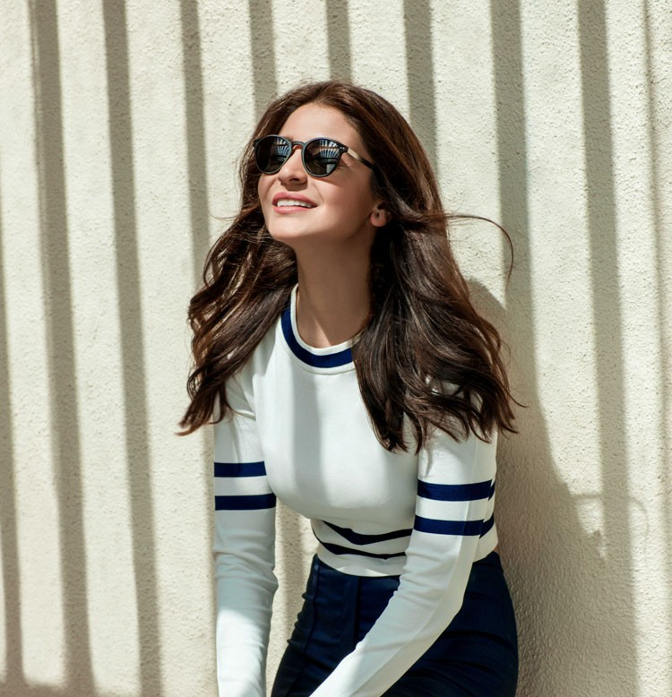 Anushka Sharma,actress Anushka Sharma,Anushka Sharma in sunglasses,Anushka Sharma loves sunglasses,Anushka Sharma sunglasses pics,Anushka Sharma sunglasses images,Anushka Sharma sunglasses photos,Anushka Sharma sunglasses stills,Anushka Sharma sunglasses