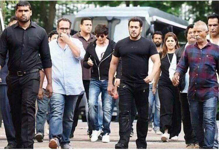 Salman Khan,Salman Khan and Shah Rukh Khan,Shah Rukh Khan,Aanand L Rai,Dwarf film,Dwarf,shah rukh khan dwarf movie,Shah Rukh Khan and Salman Khan