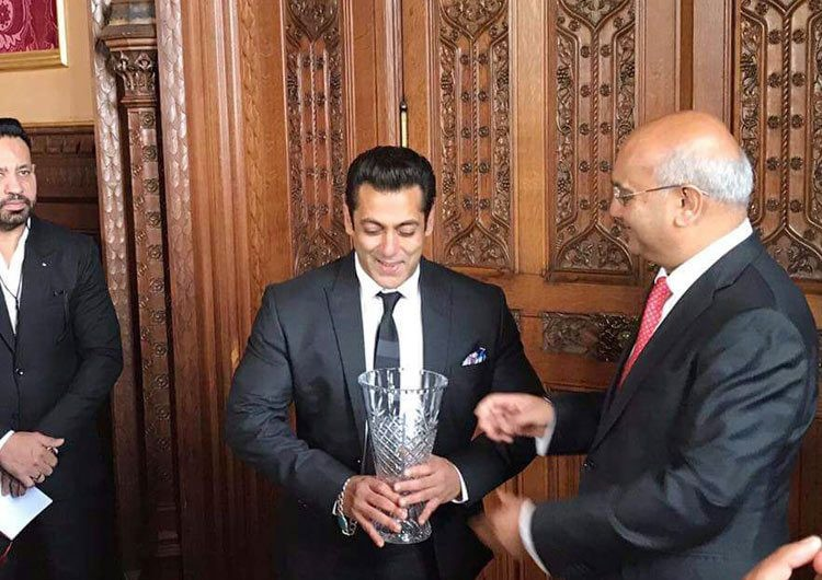 Salman Khan,actor Salman Khan,Salman Khan honoured with Global Diversity Award,Global Diversity Award,Britain's House of Commons,Salman Khan honoured at Britain's House of Commons